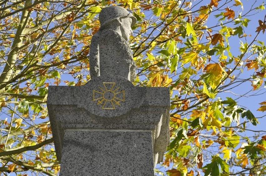 monument-aux-morts-71